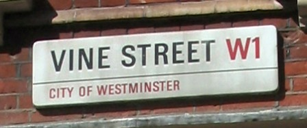 Straatnaambord Vine Street London